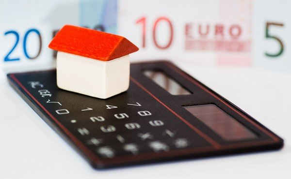 Adding a mortgage calculator to your website you can provide certain benefits to the visitors by offering them value.